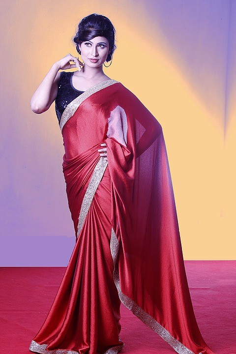 6478aa6328d58 How to Select Blouses Matching Red Saree